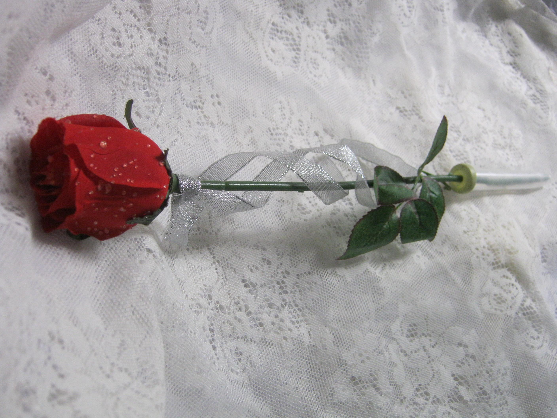 Single Stem Rose In Cello Wrap Flowerandballooncompany Com