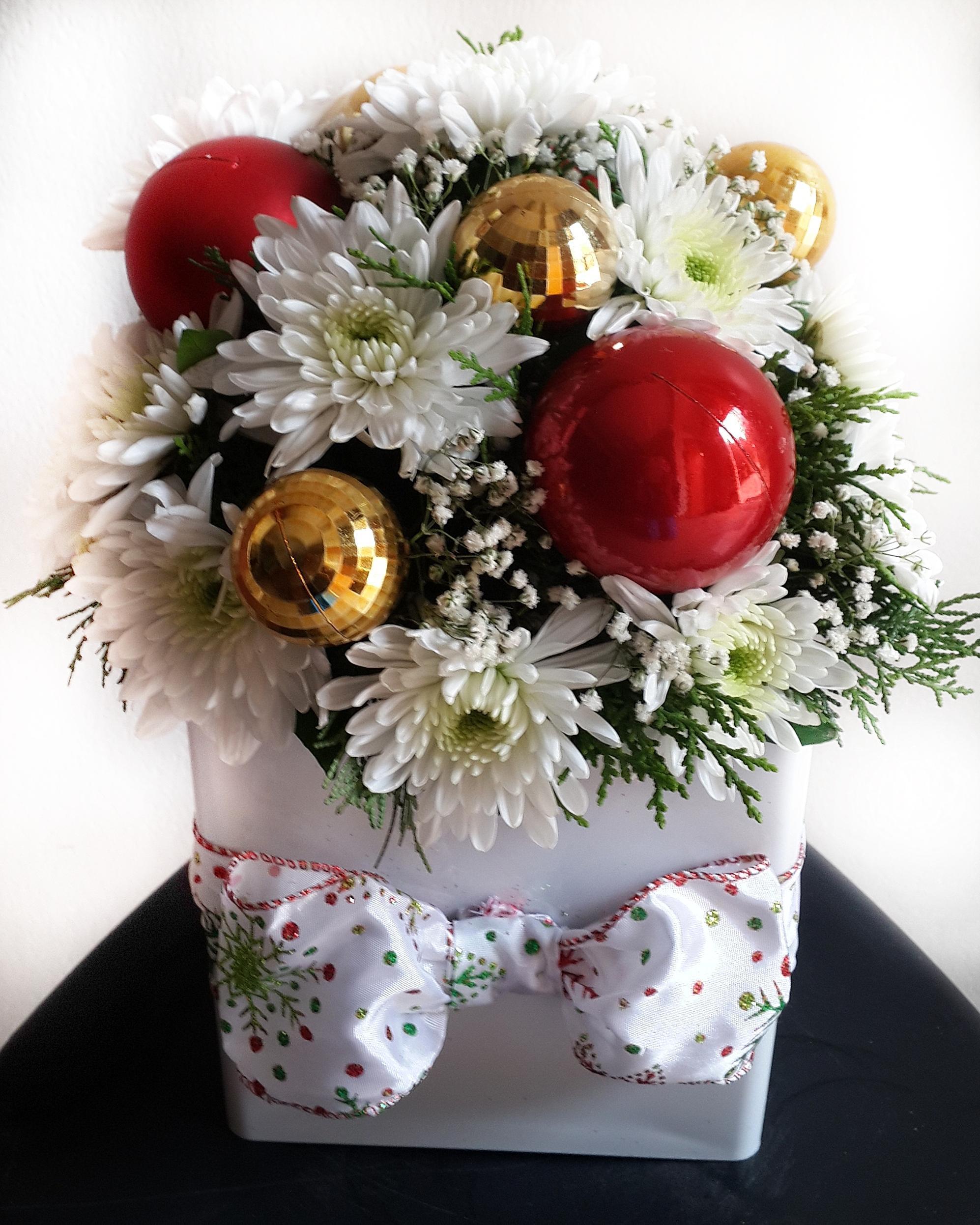 Flowers & Christmas Flower Arrangement with Baubles