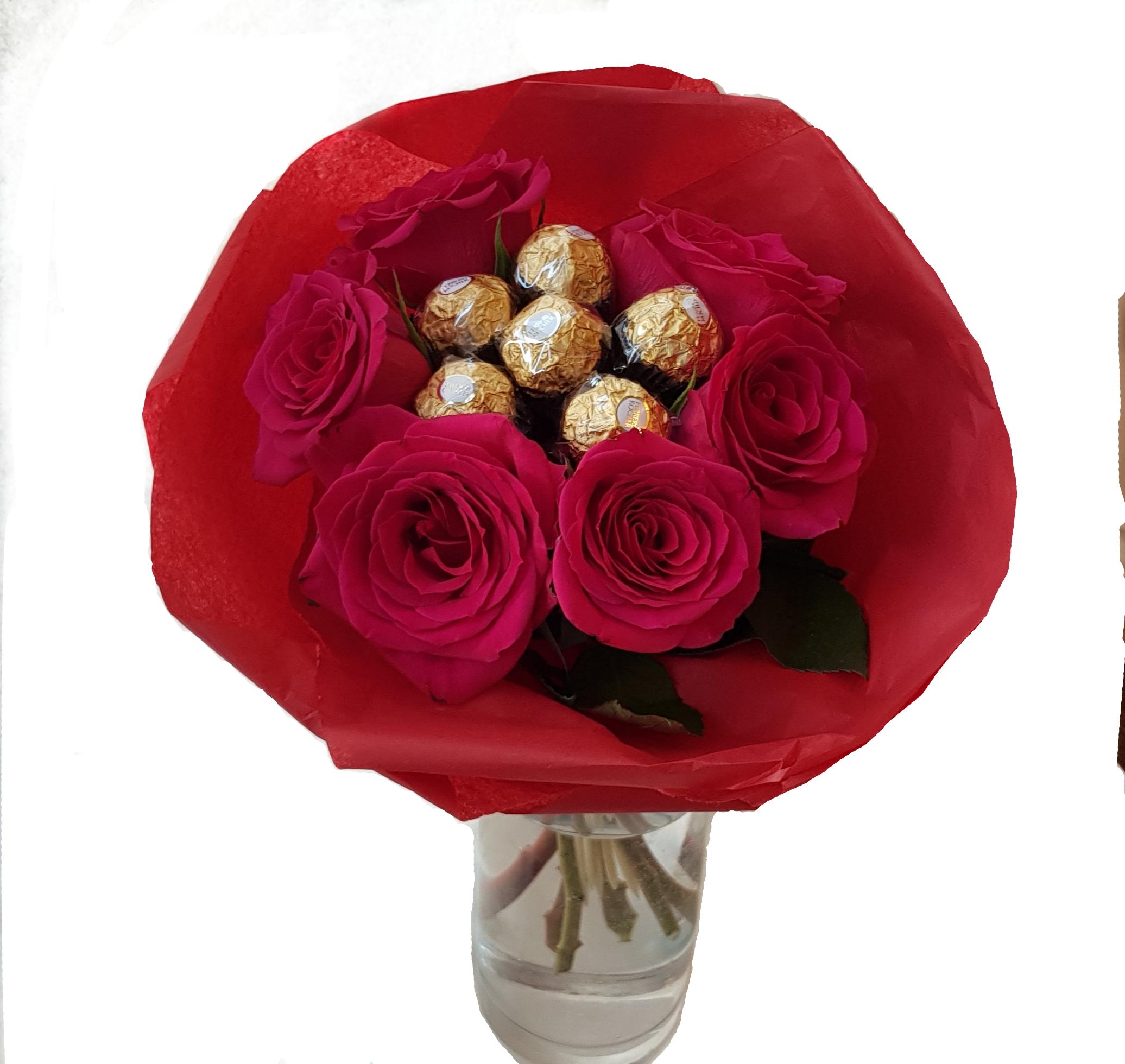 6 Roses With Chocolate Bouquet Flowerandballooncompany Com
